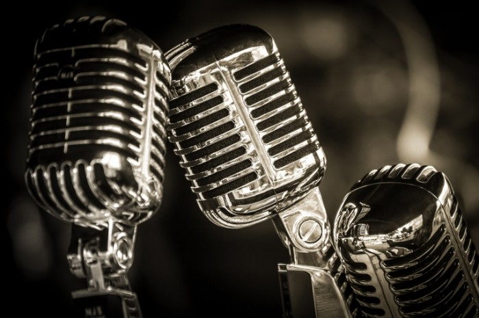 Dollarphotoclub 92534598 700x465 Микрофоны   Microphones