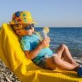 Малыш на пляже - Kid on the beach
