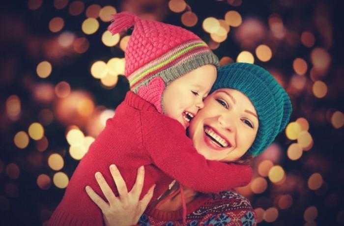 dollarphotoclub 71727213 700x460 Счастливая мама с ребенком   Happy mother with a baby