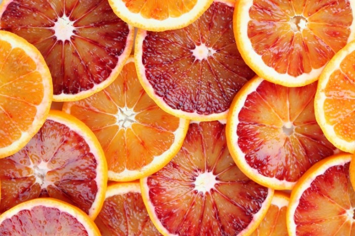 shutterstock 125744984 700x466 Дольки апельсина   Orange slices