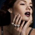 Девушка в ювелирных украшениях - Girl in the jewelery