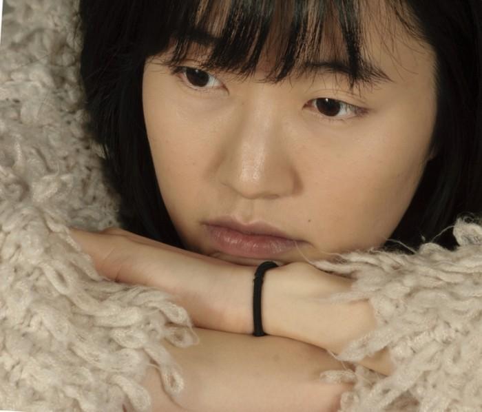 shutterstock 282194519 700x598 Женщина азиатской внешности   Woman of Asian appearance