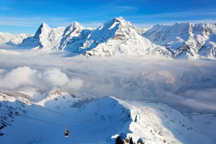 shutterstock 94896961 700x466 Заснеженные горы   Snow capped mountains