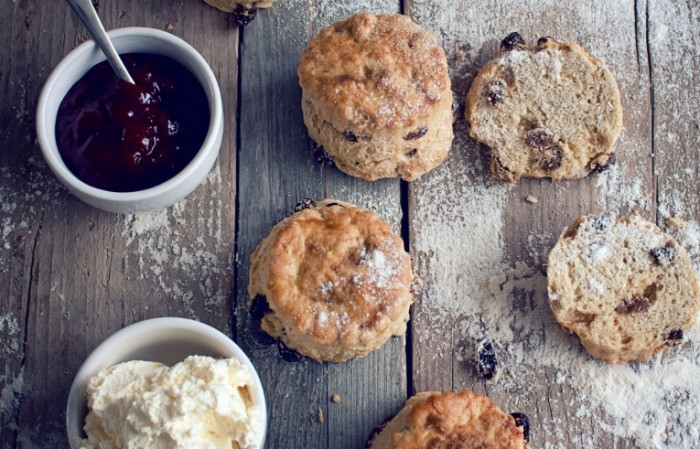 Simply the best SCONES RECIPE istock 700x449 Кексы и джем   Muffins and jam