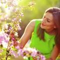 Девушка в саду - Girl in the garden