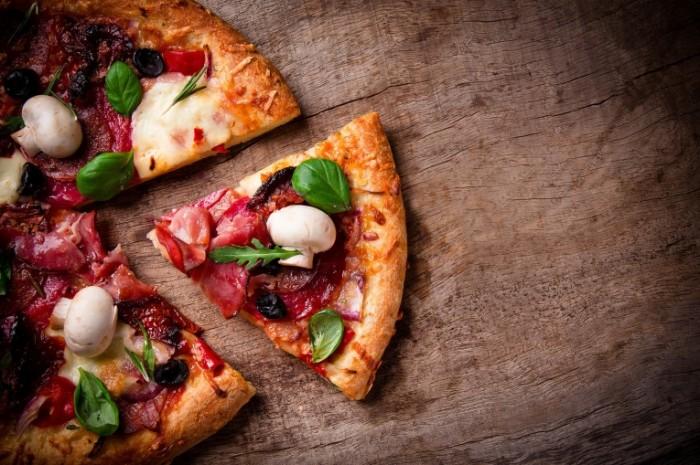 eec872f07f0fd1b0 shutterstock 129136244.xxxlarge 2x 700x465 Пицца   Pizza