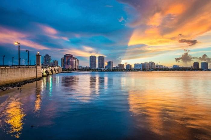 floridapalmbeach istock 000035421788 full opt 700x465 Флорида   Florida