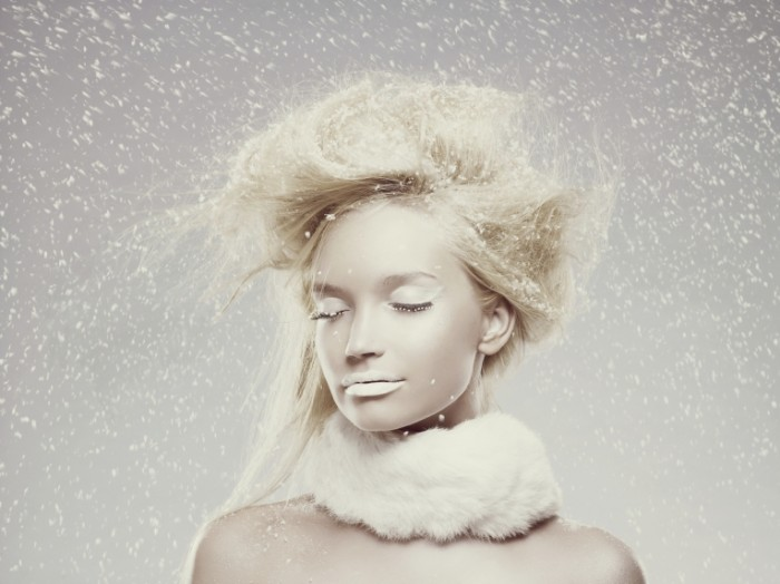 iStock Girl in Snow IS ImageSource 700x524 Образ девушки   Image of the girl