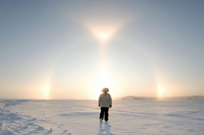 istock 000011672101medium 1 700x464 Силуэт на заснеженном пространстве   Silhouette on a snow covered area