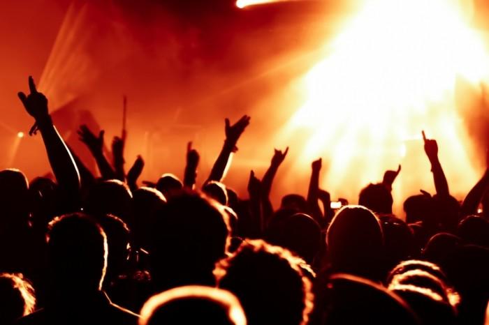 istock 000015374089large 3934 2 2400x1600 700x466 Концерт   Concert