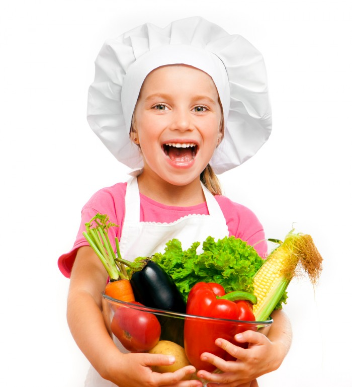 shutterstock 106366109 700x769 Девочка с овощами   Girl with vegetables
