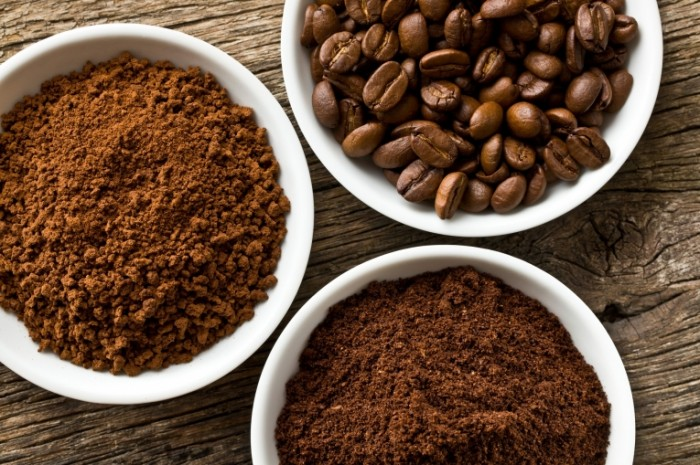 shutterstock 112058765 700x465 Кофе молотый и в зернах   Coffee beans and ground