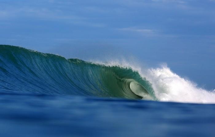 shutterstock 123825478 700x446 Волна   Wave