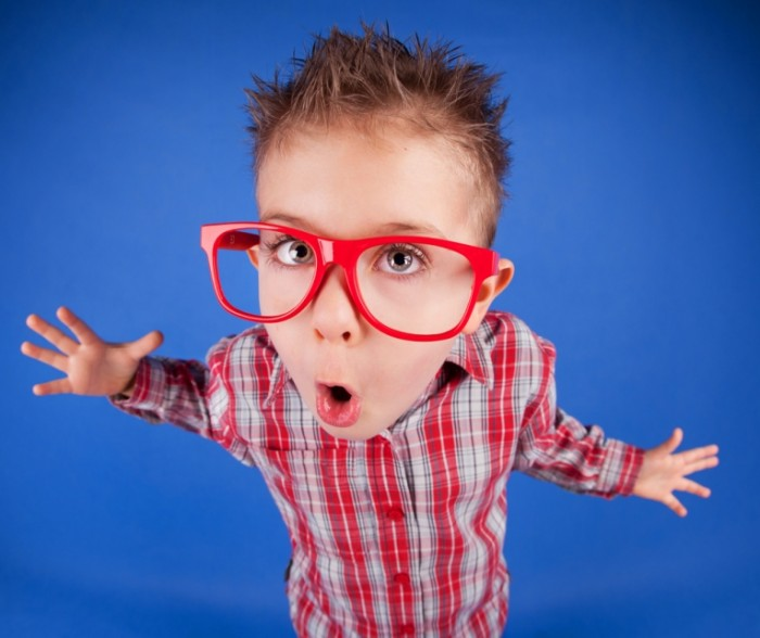 shutterstock 126117428 700x588 Мальчик в очках   Boy with glasses