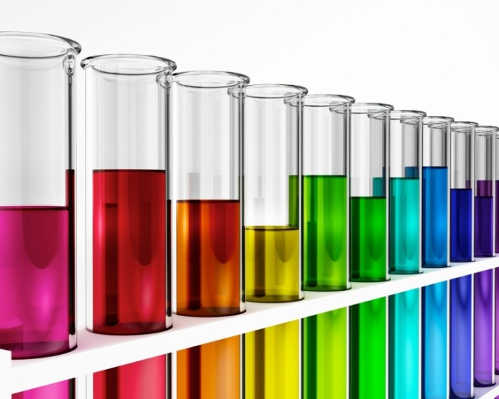 shutterstock 76604677 700x560 Колбы с разноцветной жидкостью   Flasks with colored liquid