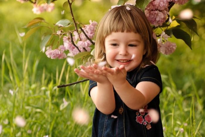 shutterstock 80943571 700x468 Маленькая девочка   Little girl