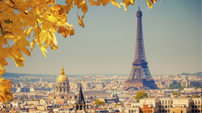 top destinations for a european winter wedding or honeymoon 700x393 Париж   Paris