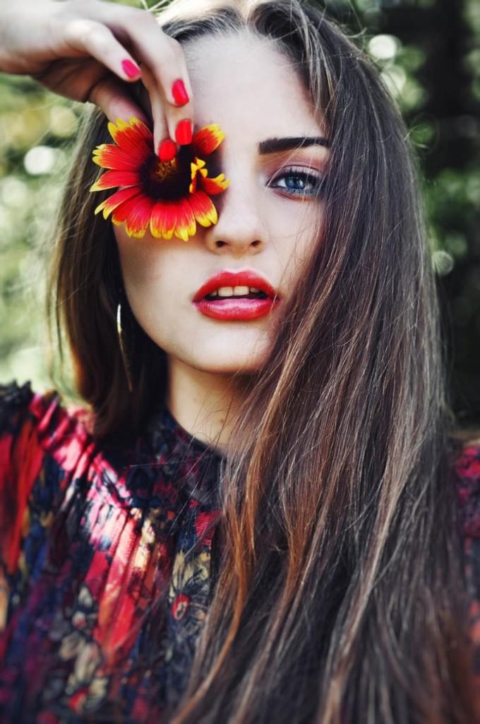 tumblr mnxwet3RKU1qd4rnwo1 1280 680x1024 Девушка с цветком   Girl with the flower