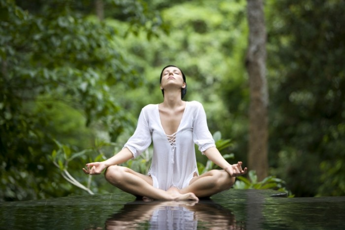 yoga pose istock 000005213985xlarge 2 700x466 Йога   Yoga