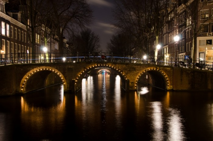 amsterdam canal free license CC0 700x463 Мост ночью   Bridge in the night