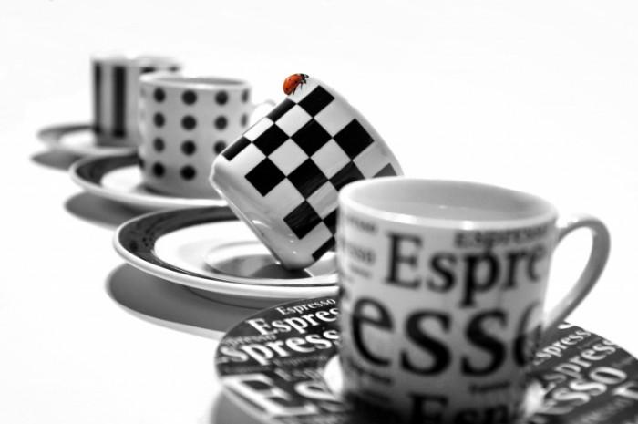 cup 1320578 700x465 Black and white cups   Черно белые кружки