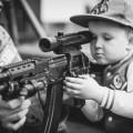 Boy with machine gun - Мальчик с автоматом