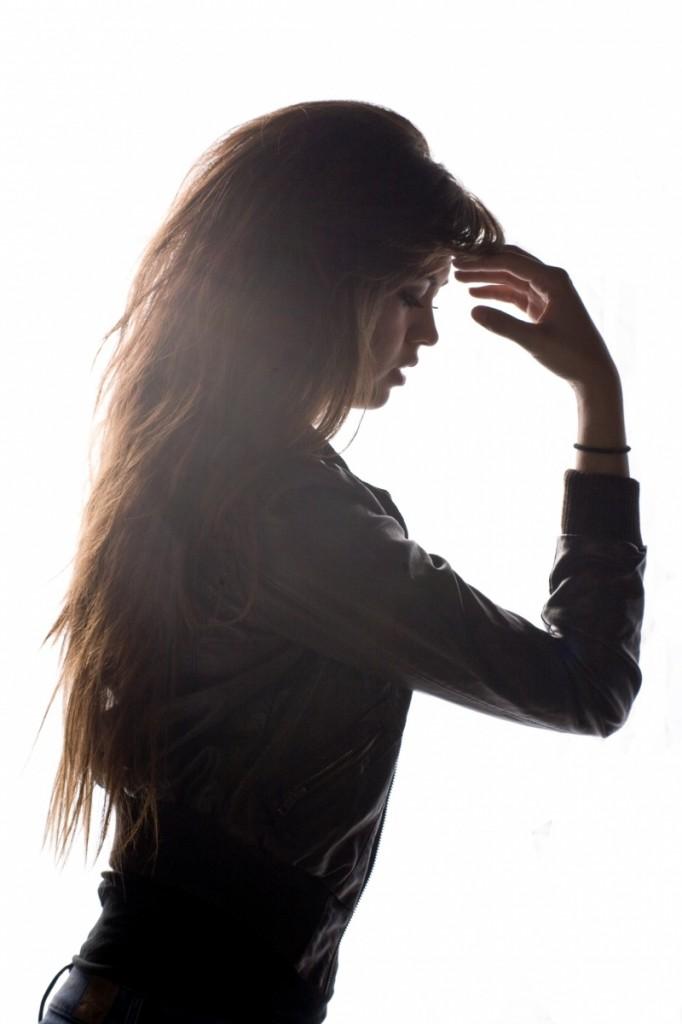model 937663 682x1024 Girl with long hair   Девушка с длинными волосами