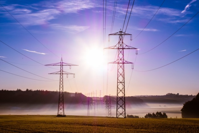 power poles 5039352 700x466 Power poles   Электролинии
