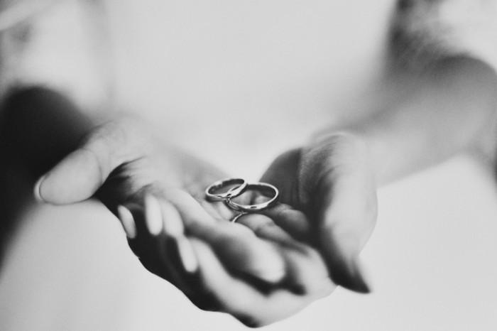 974b3a104971333 700x466 Обручальные кольца   Wedding rings