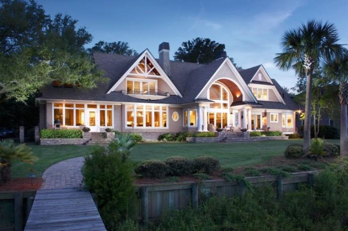 ff7f90b06f5a2f2 700x465 Красивый дом   Beautiful house
