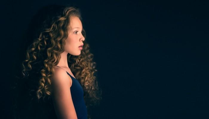 b4e637ebeb1f3c6 700x397 Кудрявая девочка   Curly girl