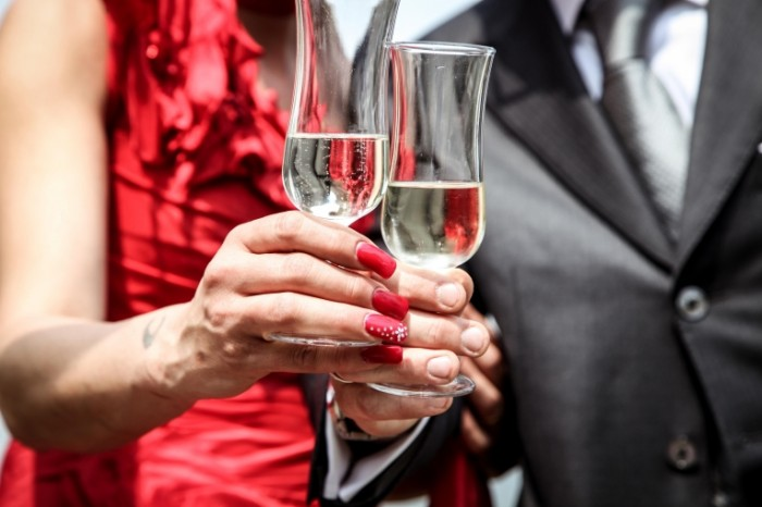 ceremony 407153 700x466 Шампанское   Champaign