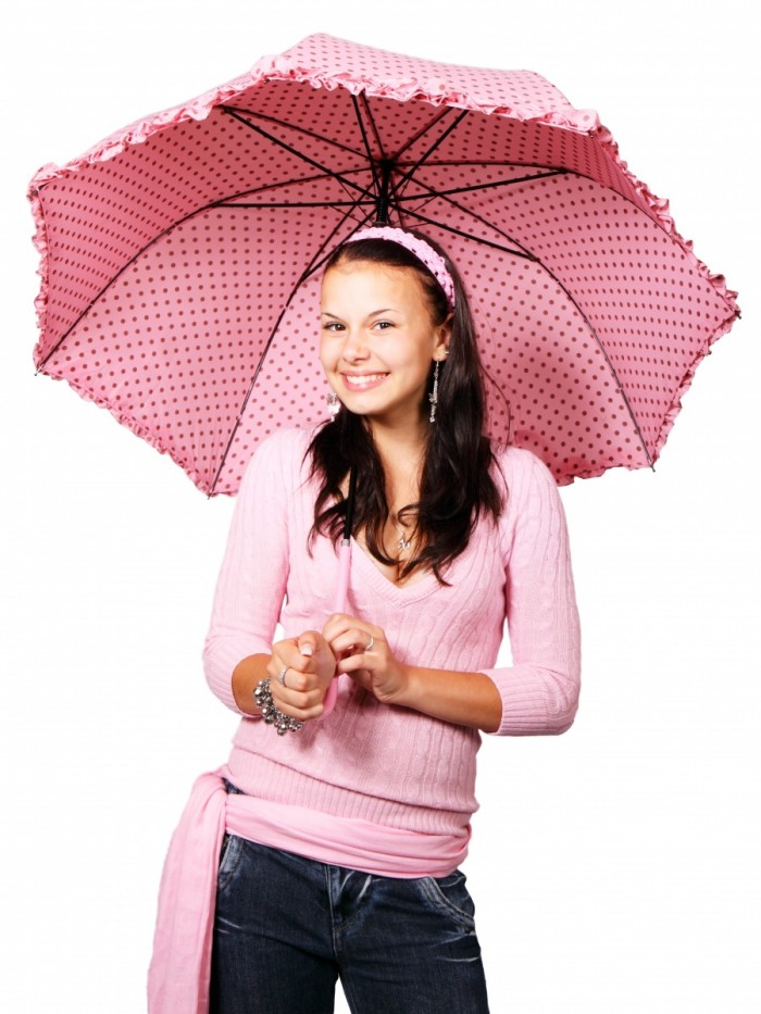 standing 15800 700x933 Девушка с розовым зонтом   Girl with an pink umbrella