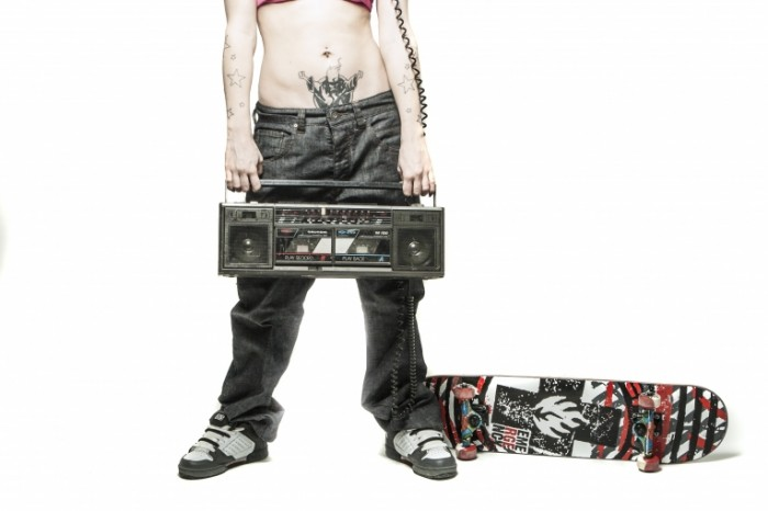 teenager 407169 700x466 Подросток с магнитофоном   Teenager with tape recorder