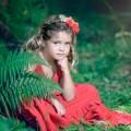 Девочка в саду - Girl in the garden