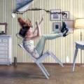 Девушка на стуле - Girl on a chair