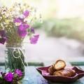 Цветы и круассаны - Flowers and croissants