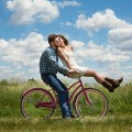 Girl with a guy on a bike - Девушка с парнем на велосипеде
