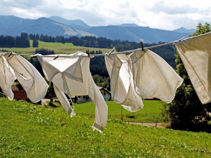 laundry 963150 700x524 Постиранное белье   Wash clothes
