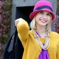 Девушка в яркой шляпе - Girl in a bright hat