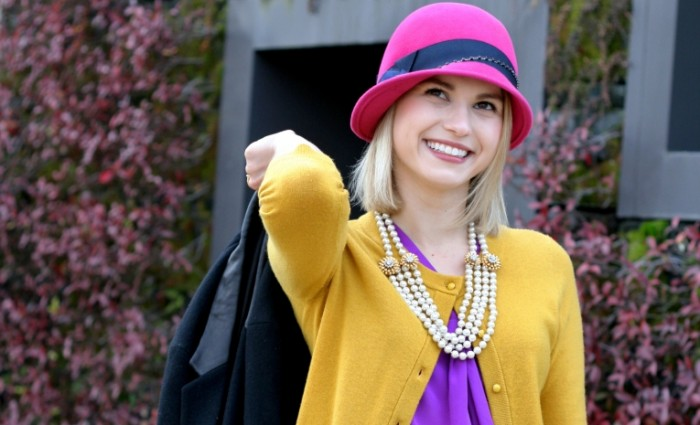 70ef8882b8be639 700x425 Девушка в яркой шляпе   Girl in a bright hat