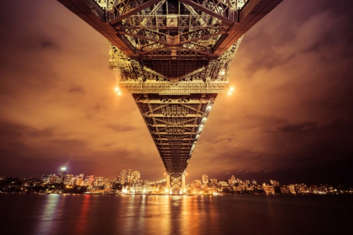 lights night bridge sydney australia reflection bay cityscape 700x466 Ночной мост   Night bridge