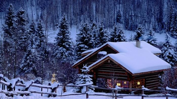 148060511158403db70de530.99465832 700x393 Зимняя дача   Winter village