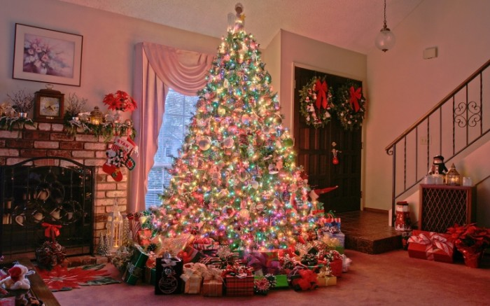 18fb809615acc013dab5a256ce140751 700x437 Новогодняя елка   Christmas tree