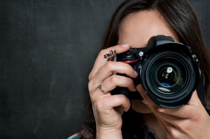 2c25d7a12b87d6c 700x464 Девушка фотограф   Girl photographer