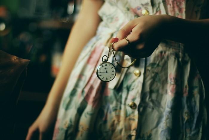 f255454c577b754 700x468 Часы в руке   A clock in the hand