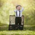Маленький мальчик в чемодане - A little boy in the suitcase