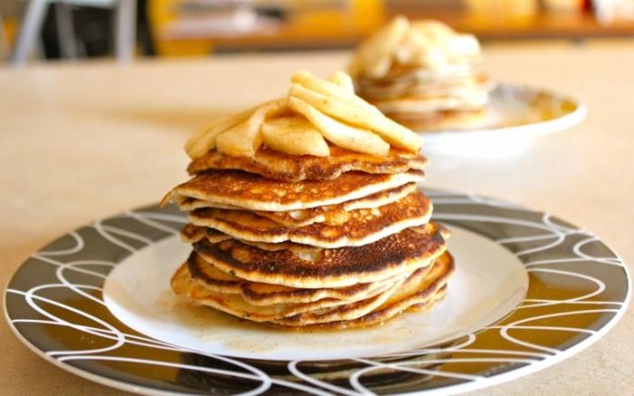 14797812745833ab9a418727.79608582 700x437 Блины на завтрак   Pancakes for breakfast