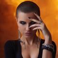 Девушка с короткими волосами - Girl with a short hair