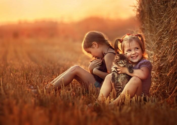 7f683b150398d68 700x496 Дети с животными   Children with pets